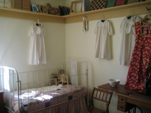 Child's room, Gifford Homestead