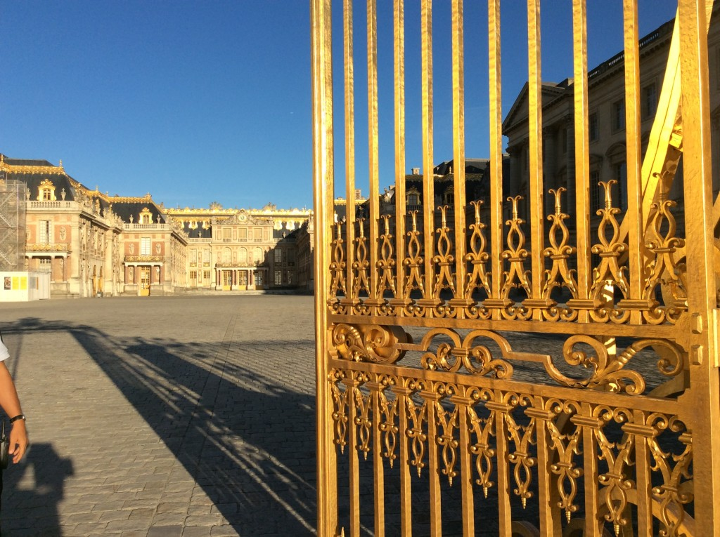 A peek into the Royal Courtyard and the Palace